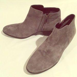 New, never worn! Sam Edelman Gray, suede booties!